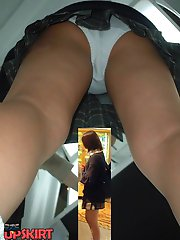 20 pictures - Voyeur girls upskirt views