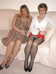 8 pictures - pantie hose under skirt foto