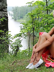 12 pictures - New adult pics of teenie nudists