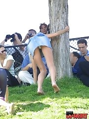 12 pictures - Accidental upskirt. Hot blonde in denim mini