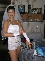 9 pictures - Pictures of Bride Dressed In Wedding Dress